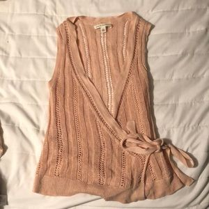 Gorgeous peach sleeveless ballet sweater, small